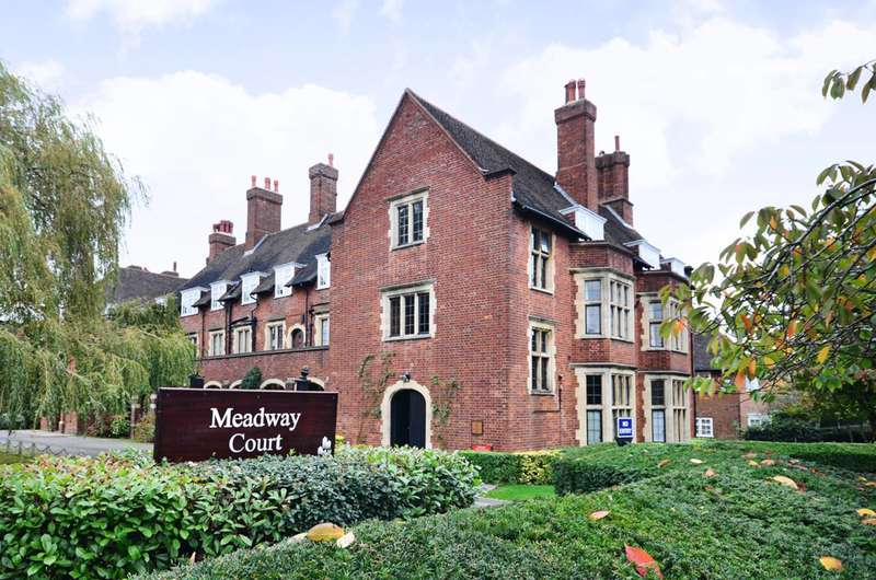 1 Bedroom Flat for sale in Meadway Court, Hampstead Garden Suburb, NW11