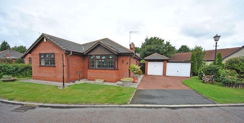 2 Bedrooms Detached Bungalow for sale in 2 Gravel Close, Banks, Southport, Merseyside. PR9 8FR