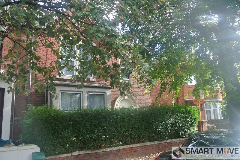 3 Bedrooms Semi Detached House for sale in Alexandra Road, Peterborough, Cambridgeshire. PE1 3DJ