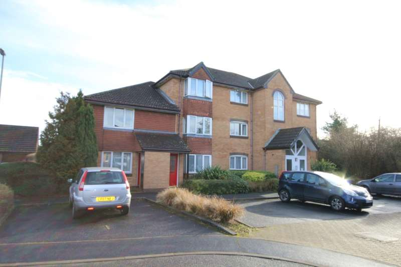 1 Bedroom Flat for sale in Charing Close, Ringwood, BH21