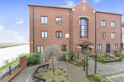 2 Bedrooms Flat for sale in Atlas Wynd, Yarm, Durham, .