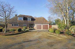 4 Bedrooms Bungalow for sale in Shermanbury Grange, Brighton, Horsham, West Sussex