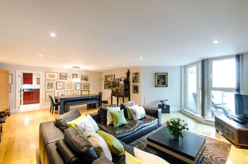 2 Bedrooms Flat for sale in St George Wharf, Vauxhall, Vauxhall, SW8