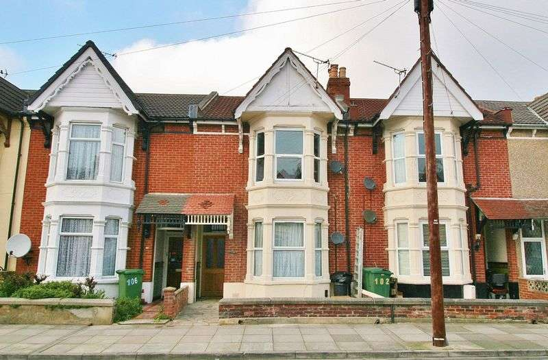 2 Bedrooms Flat for sale in Shadwell Road, Portsmouth