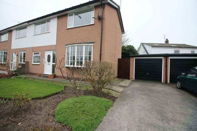 2 Bedrooms Semi Detached House for sale in 42 Fleetwood Road, Poulton-Le-Fylde, FY6 7NL