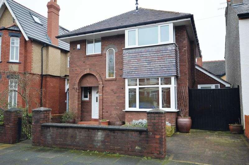 3 Bedrooms Detached House for sale in Victoria Road, West Kirby