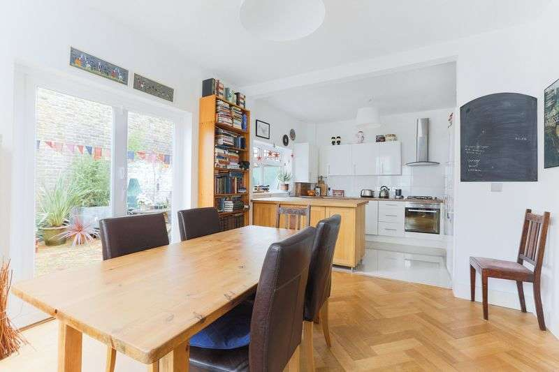 4 Bedrooms Property for sale in Leverson Street, Furzedown, London
