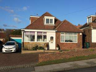 3 Bedrooms Bungalow for sale in Balsdean Road, Woodingdean, Brighton, East Sussex