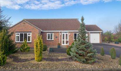 3 Bedrooms Bungalow for sale in Spring Lane, Lambley, Nottingham