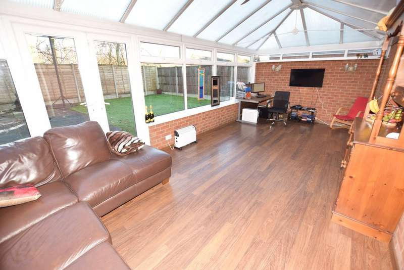 4 Bedrooms Detached House for sale in Eaton Wood Drive, Yardley