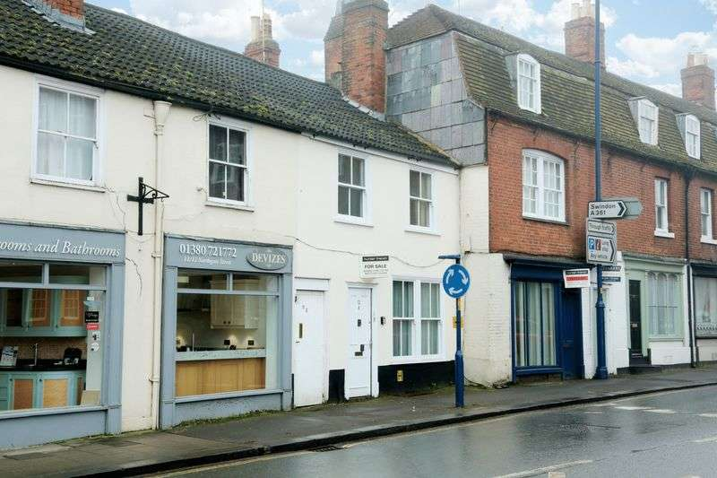 3 Bedrooms Terraced House for sale in Devizes, Wiltshire, SN10 1JL