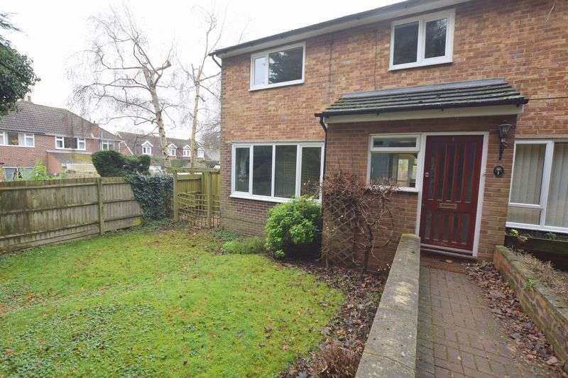 3 Bedrooms House for sale in The Close, Woburn Sands, Milton Keynes