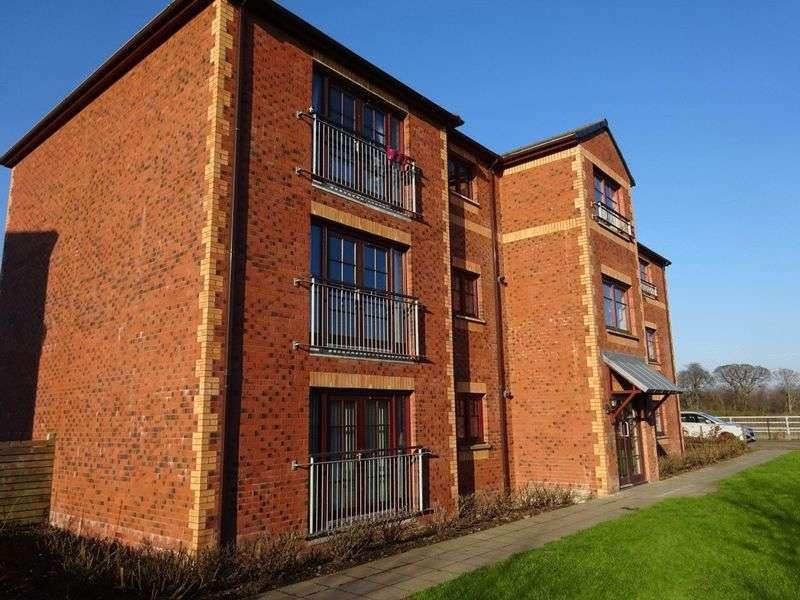 2 Bedrooms Flat for sale in Macbride Way, Renton