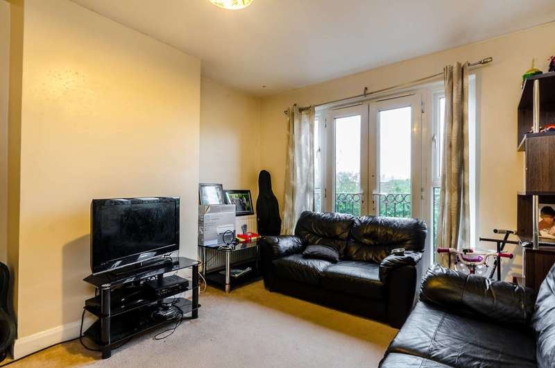 2 Bedrooms Flat for sale in Boundary Court, Kingston, KT1