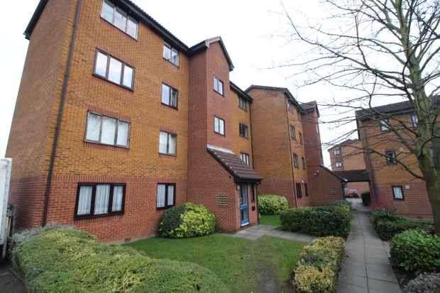 1 Bedroom Flat for sale in Rowallan Court, London, Greater London, SE6 1LB