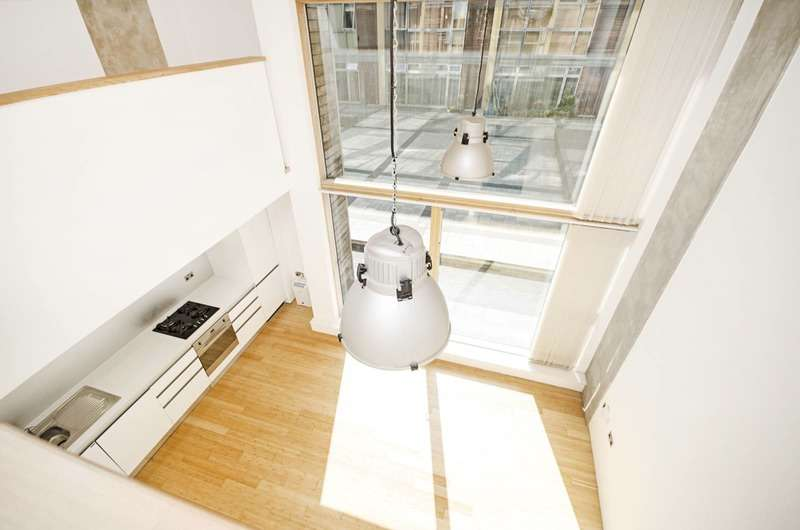 2 Bedrooms Flat for sale in Benyon Wharf, Kingsland Basin, Shoreditch, London, E8