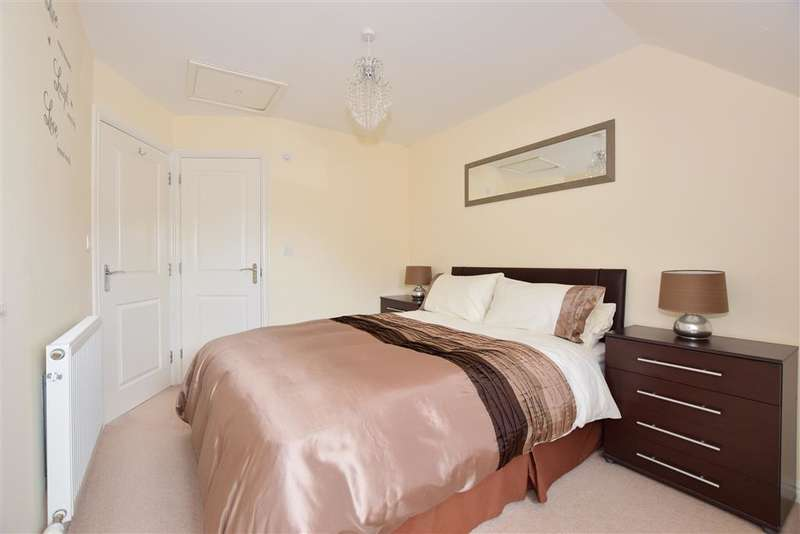 3 Bedrooms End Of Terrace House for sale in Coral Road, Minster On Sea, Sheerness, Kent