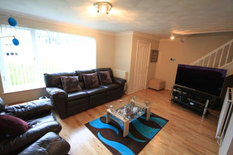4 Bedrooms Detached House for sale in Tallis Lane, Reading, RG30