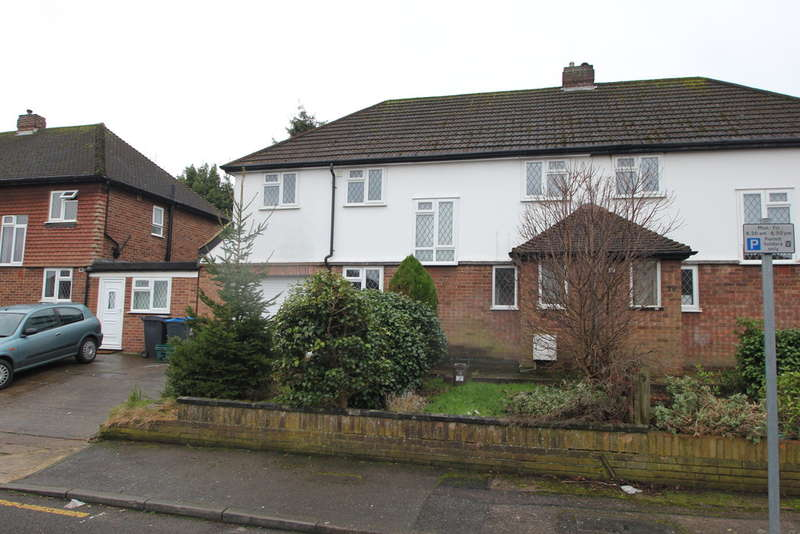 4 Bedrooms Semi Detached House for sale in Villiers Close, Surbiton