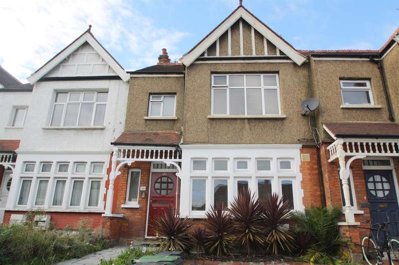 1 Bedroom Property for sale in Green Lanes, London N13