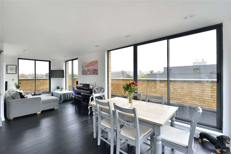 2 Bedrooms Flat for sale in New North Road, London, N1