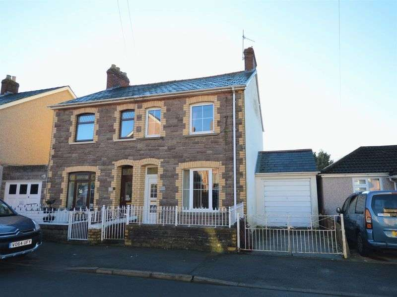 3 Bedrooms Semi Detached House for sale in Woodland Road, Abergavenny