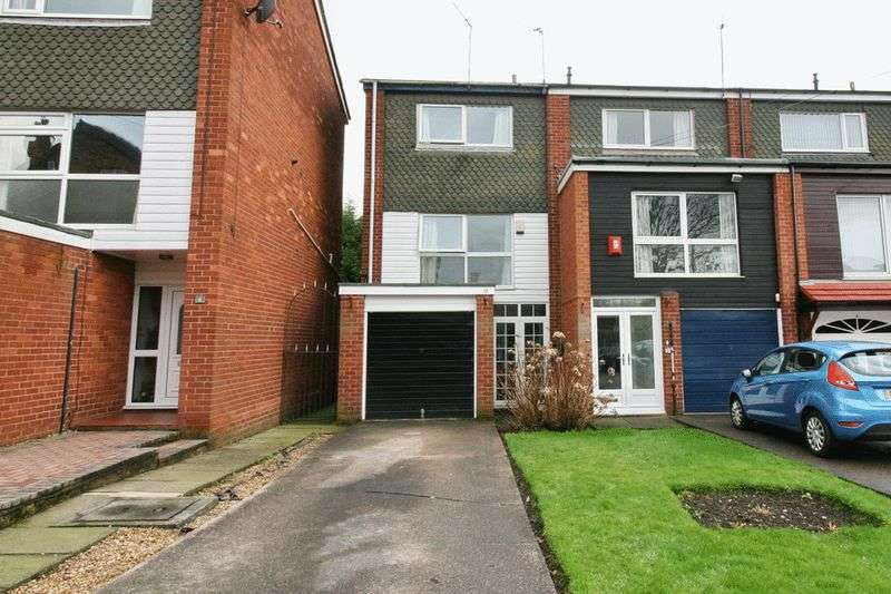 3 Bedrooms Terraced House for sale in Vendale Avenue, South Swinton Manchester