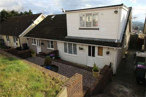 3 Bedrooms Semi Detached House for sale in The Links, Trevethin, Pontypool, Torfaen