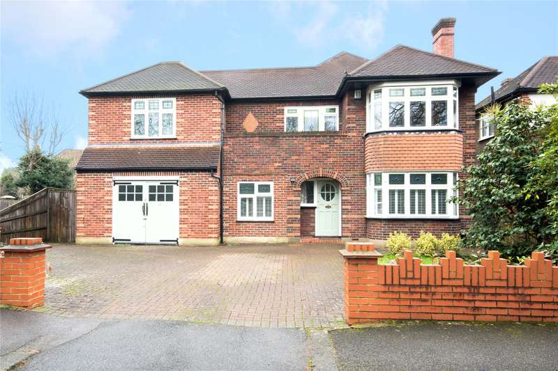 5 Bedrooms Detached House for sale in Southmont Road, Esher, Surrey, KT10