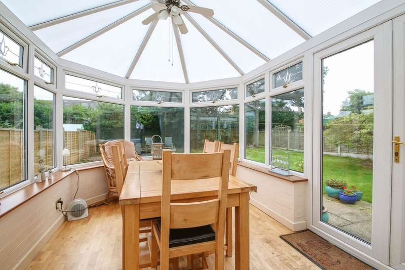 4 Bedrooms Detached House for sale in Abbey Way, Hartford