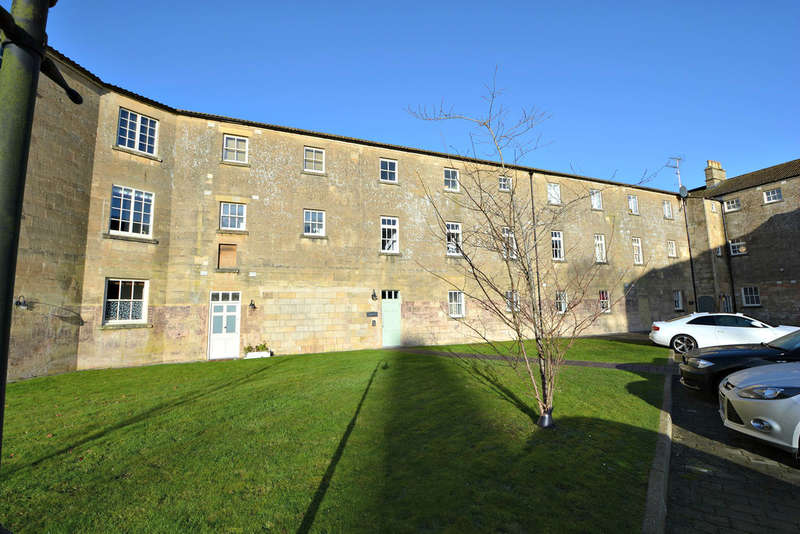 2 Bedrooms Flat for sale in The Hexagon, Kempthorne Lane, Bath