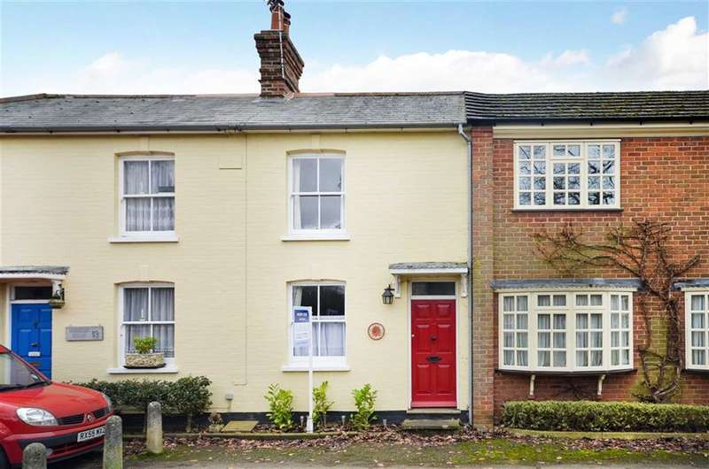 2 Bedrooms Property for sale in The Green, Elstead, Farnham
