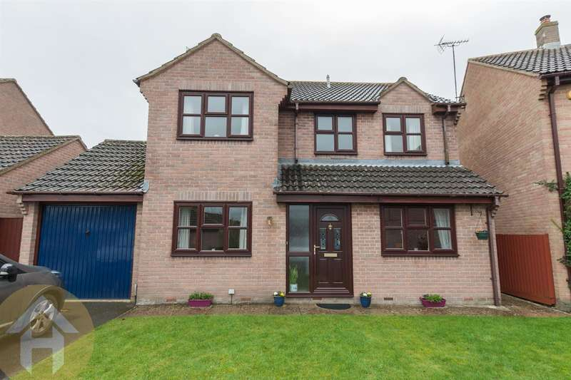 4 Bedrooms Property for sale in Saltspring Drive, Royal Wootton Bassett.