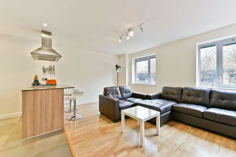 2 Bedrooms Flat for sale in Cable Street, London E1