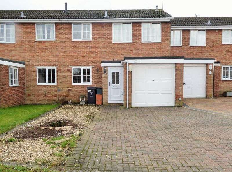 3 Bedrooms Terraced House for sale in Larchmore Close, Greenmeadow
