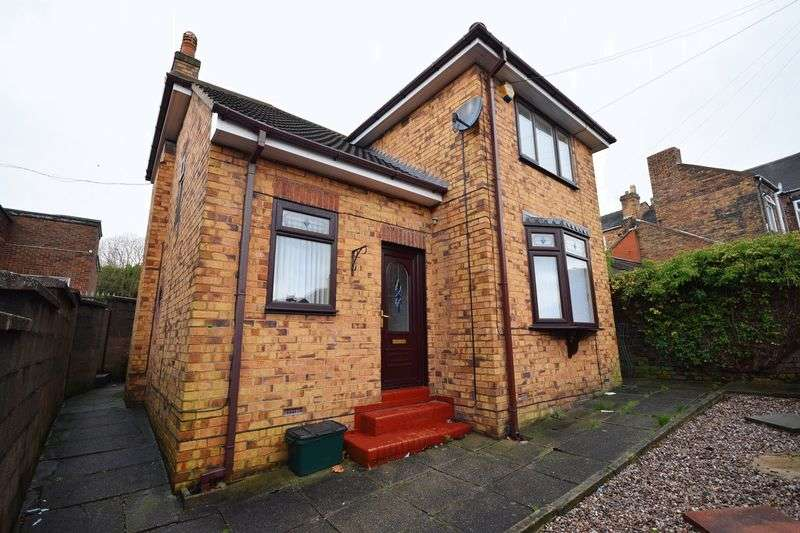 3 Bedrooms Detached House for sale in Oak Street, Birches Head