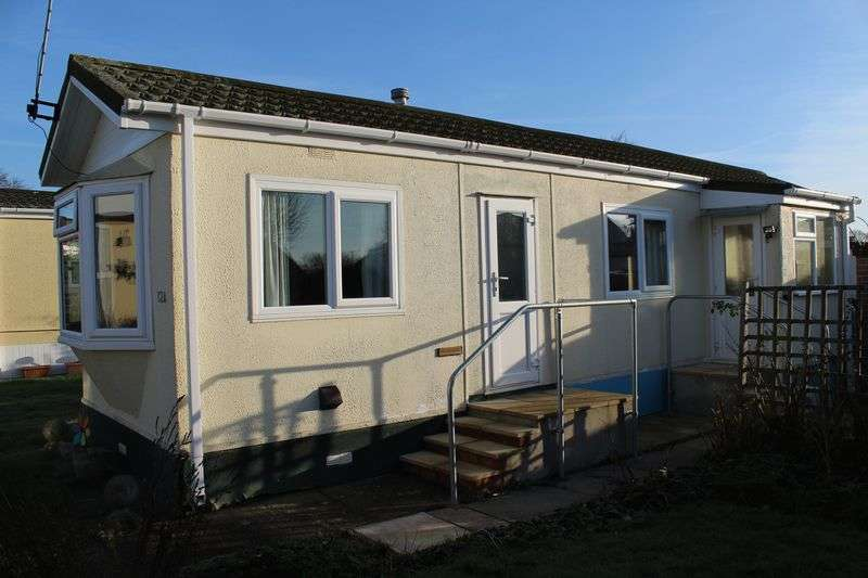 2 Bedrooms Detached Bungalow for sale in Houndstone Park, Yeovil