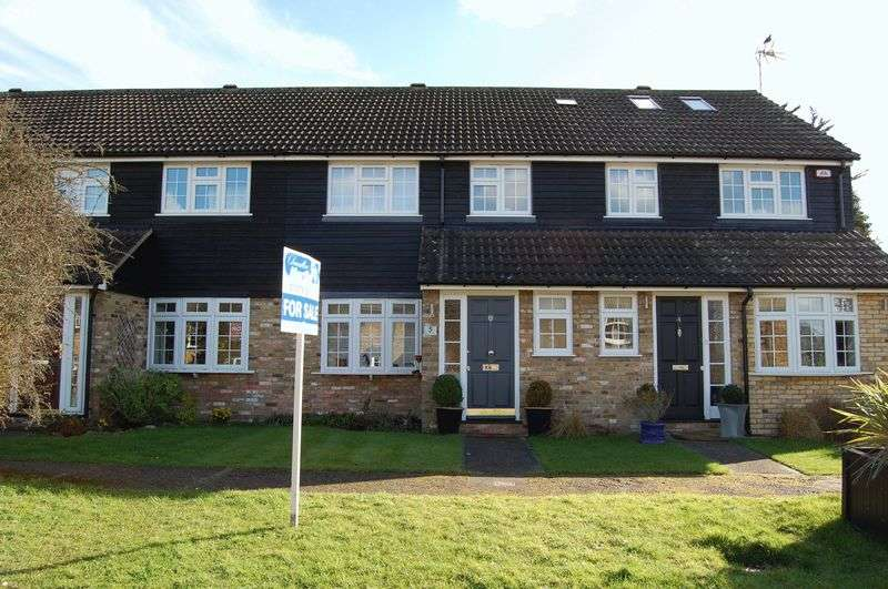 3 Bedrooms Terraced House for sale in Orsett Village