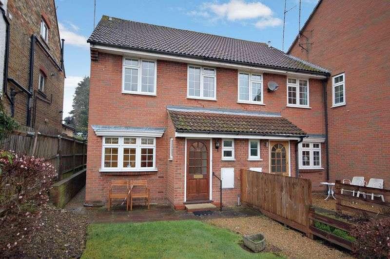 3 Bedrooms Terraced House for sale in Uxbridge Road, Rickmansworth, WD3 7AP