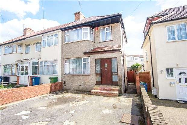 3 Bedrooms End Of Terrace House for sale in Millais Gardens, EDGWARE, Middlesex, HA8 5SZ