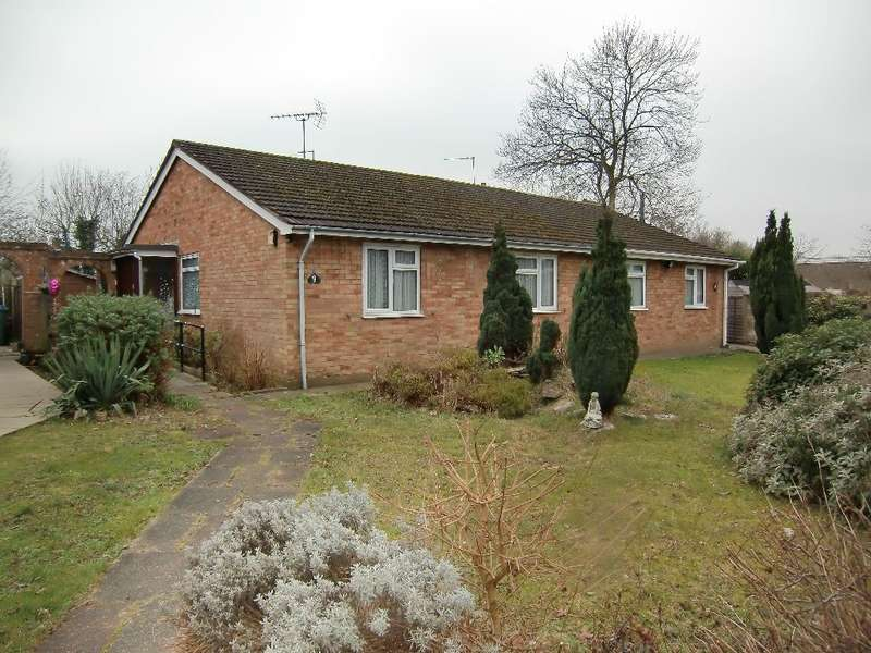 2 Bedrooms Bungalow for sale in Milner Close, Watford, Herts
