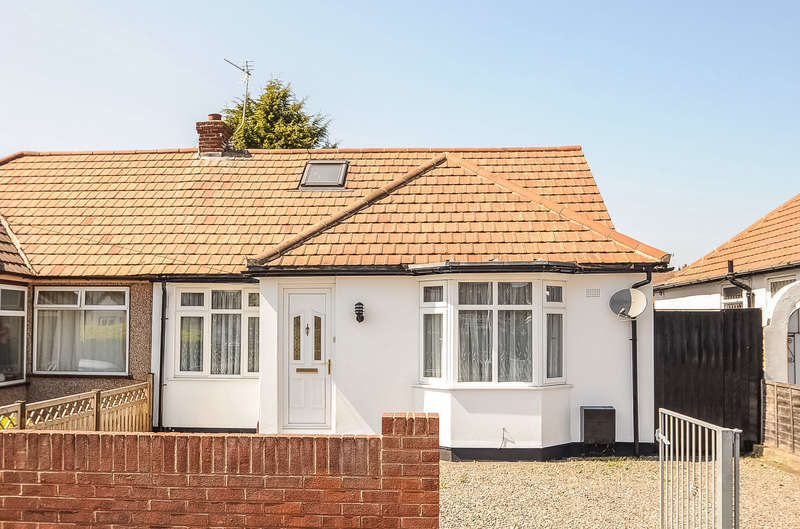 3 Bedrooms Semi Detached Bungalow for sale in Corwell Lane, Hillingdon, Middlesex, UB8