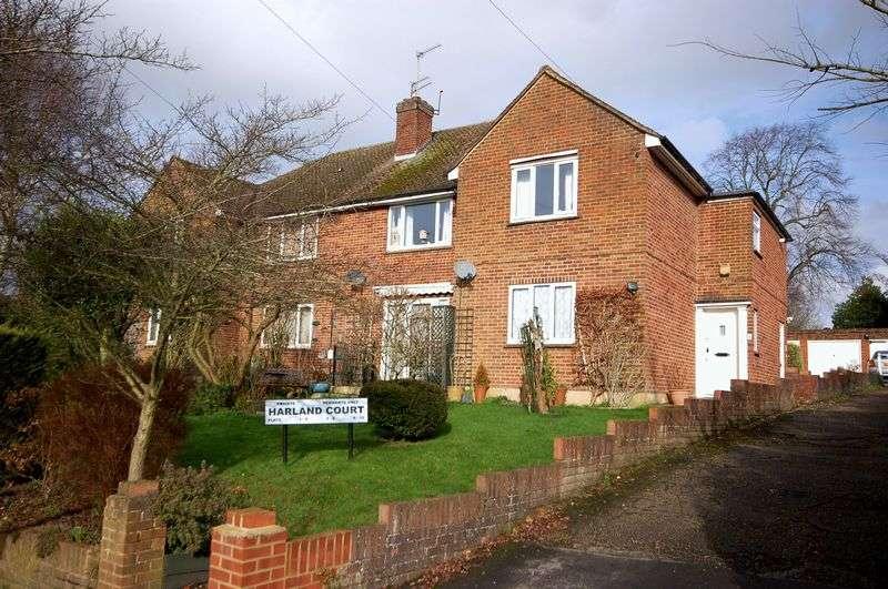 2 Bedrooms Flat for sale in Harland Court, Merle Avenue, Harefield, UB9 6DE