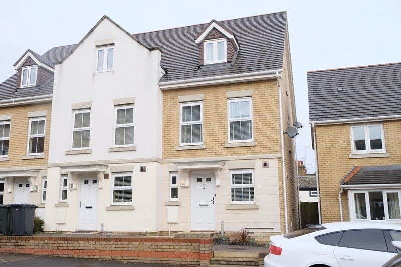 3 Bedrooms Terraced House for sale in Critchley Avenue, Dartford