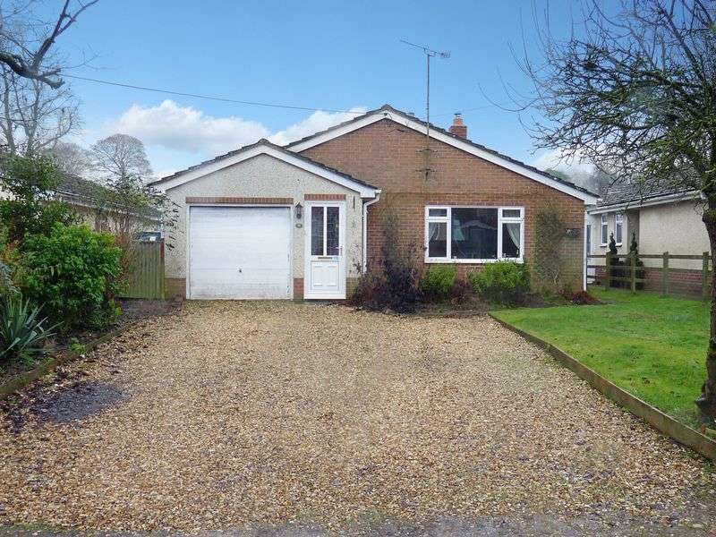 3 Bedrooms Detached Bungalow for sale in Beechfield, Newton Tony