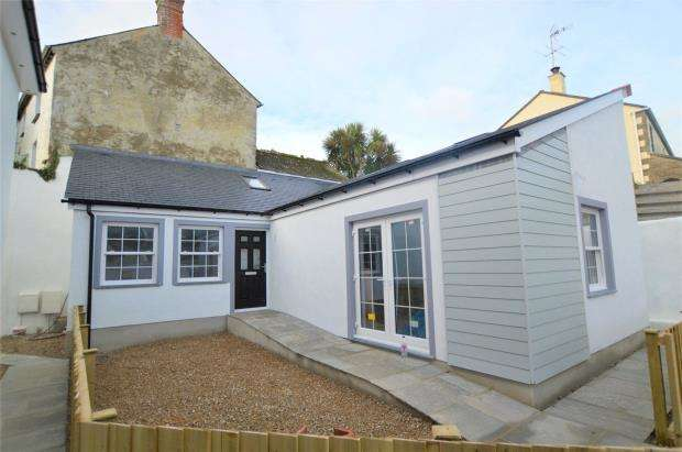 2 Bedrooms Semi Detached Bungalow for sale in Mellanear Court, Millpond Avenue, Hayle, Cornwall