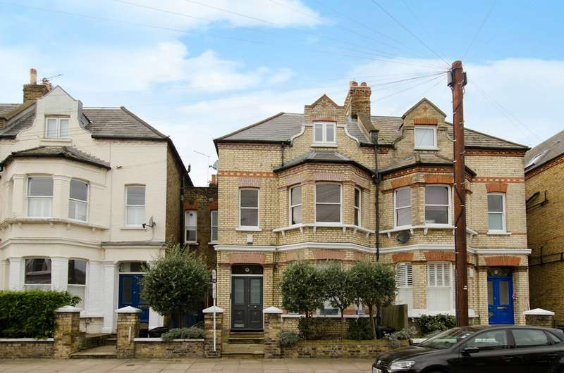2 Bedrooms Flat for sale in Cromford Road, Putney, SW18