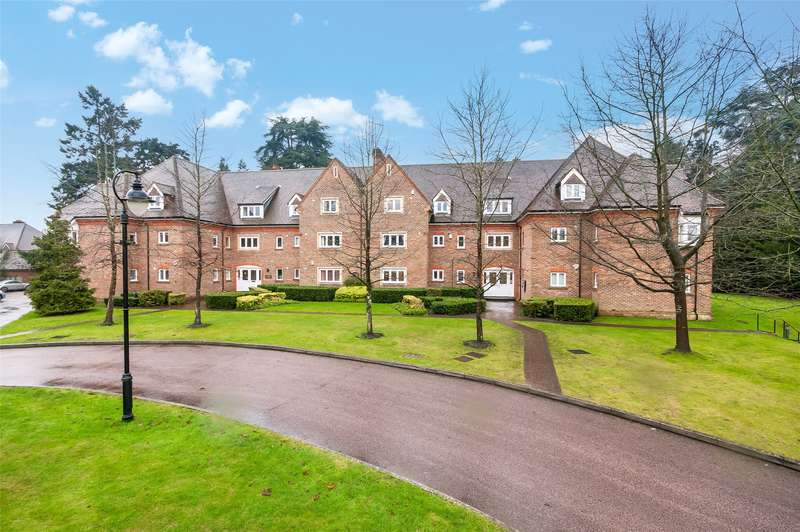 2 Bedrooms Flat for sale in Chartwell Court Grange, Highacre, Dorking, Surrey, RH4