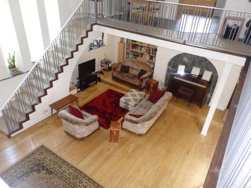 4 Bedrooms Detached House for sale in Smithills Croft Road, Smithills
