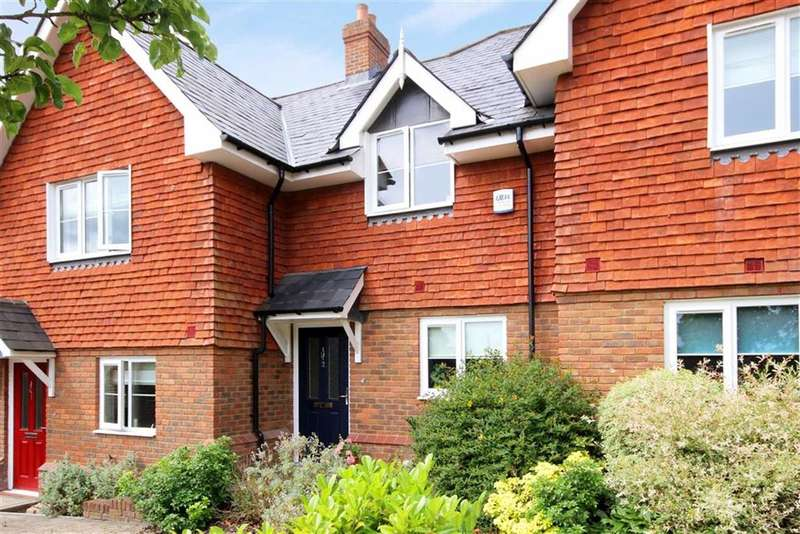 2 Bedrooms Property for sale in Willets Heath Cottages, Frensham, Farnham